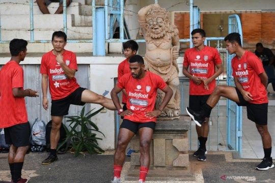 Nadeo Argawinata tak ambil pusing persaingan kiper di Bali United