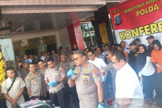 Kapolda Sumut beri penghargaan kepada warga yang bantu polisi