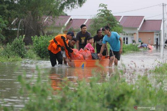 Sungai Lamong meluap rendam delapan desa di Gresik