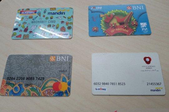 Peruri raup omzet Rp300 miliar per tahun dari bisnis kartu pintar
