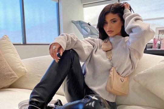 Kylie Jenner tanggapi cibiran warganet terkait jari kakinya