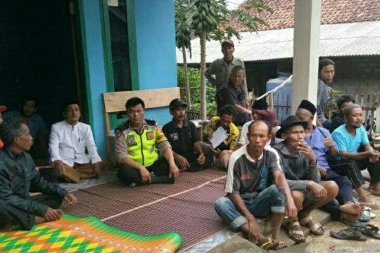 Pergerakan tanah paksa seratusan warga Sukaresmi Cianjur mengungsi