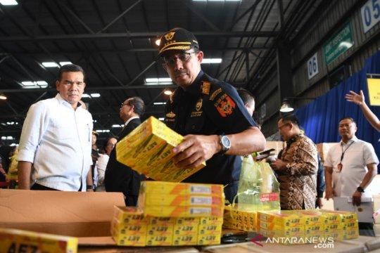 Ditjen Bea dan Cukai sita pulpen tiruan satu kontainer dari China