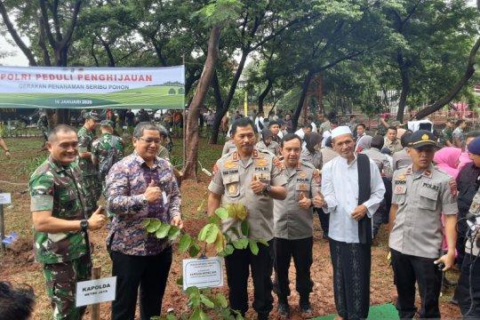 Polda Metro Jaya catat rekor Muri penanaman terkait pohon