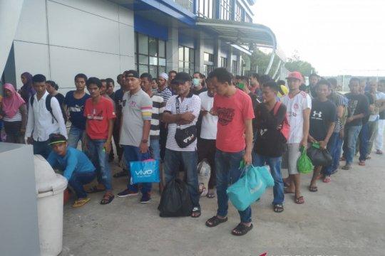 Puluhan TKI bermasalah dari Sabah dideportasi Malaysia ke Nunukan