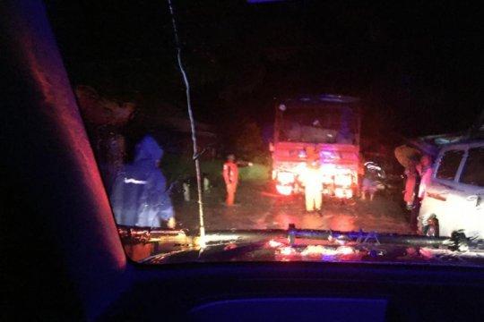 Akses jalan Lintas Barat Sumatera terputus
