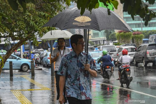 Jaktim dan Jaksel diperkirakan diguyur hujan ringan, Kamis siang