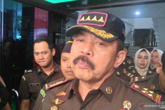 Jaksa Agung: Pejabat OJK jadi tersangka karena lemah kontrol