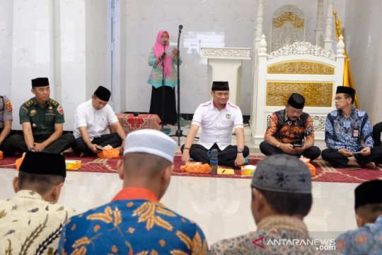 Gowa kirim 30 imam masjid desa belajar ke Ustadz Adi Hadayat