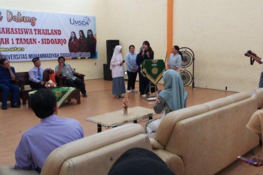 Tiga mahasiswi asing ikuti program magang di SMA Muhammadiyah Sidoarjo
