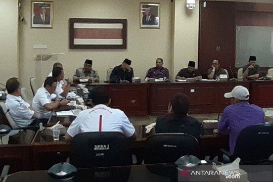 Angkutan online Padang adukan nasib ke DPRD Sumbar