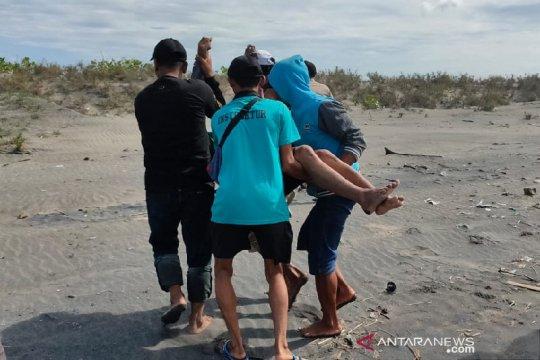Wisatawan yang terseret ombak ditemukan tewas di Pantai Cijeruk Garut