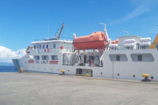 Tol Laut angkut VCO perdana dari Maluku Utara ke Jawa