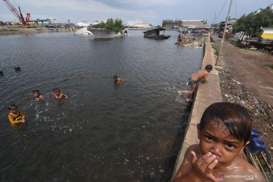 """CNN Indonesia tulis berita """"Banjir Jakarta Adalah Air Mata Malaikat Yang Jatuh"""", benarkah?"""