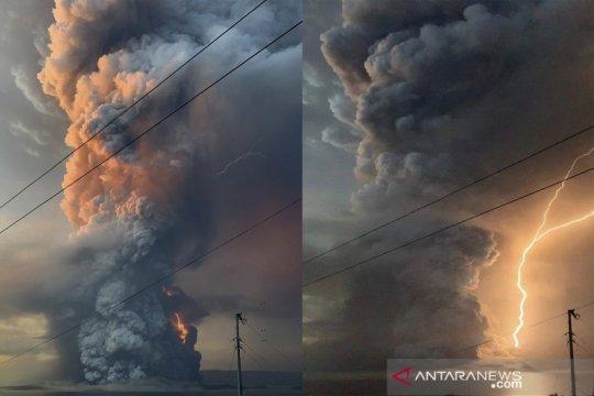 Dahsyatnya erupsi gunung Taal di Filipina