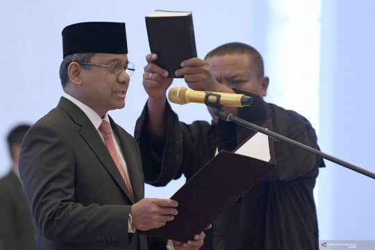 Suahasil Nazara gantikan Mardiasmo sebagai anggota Dewan Komisioner OJK