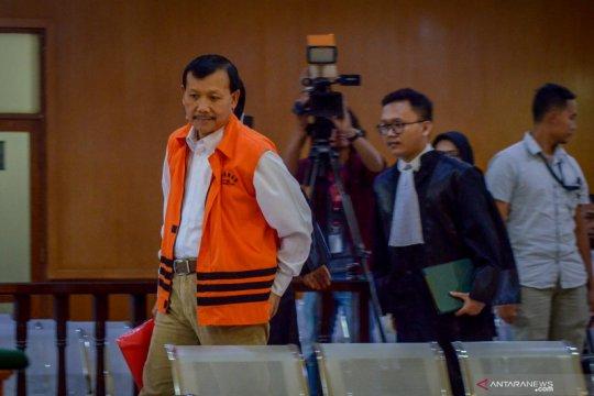 Iwa Karniwa jalani sidang perdana kasus suap Meikarta