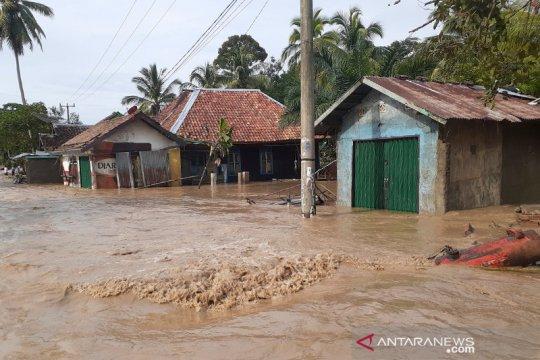 Delapan kabupaten di Sumsel waspada banjir dan longsor