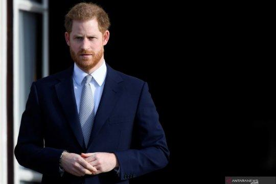 Pangeran Harry jadi pusat perhatian di pemakaman kakeknya