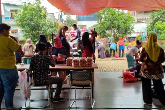 Sudin KPKP Jaksel sediakan 700 paket pangan murah di RPTRA Shibi