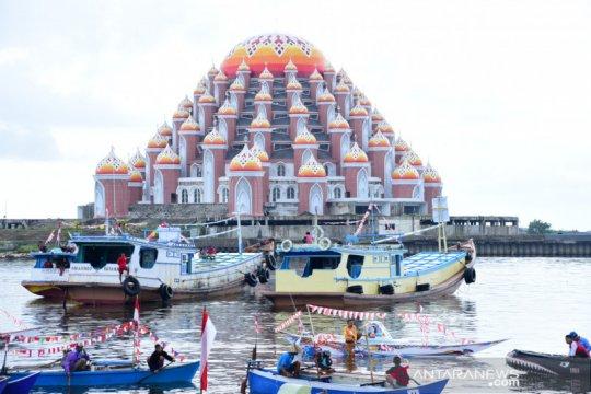 "Lomba perahu hias-toto meriahkan ""Grand Launching"" Garuda di Lautku"