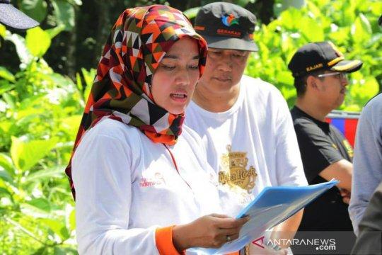 Wagub Lampung Nunik tinjau pembangunan jalan wisata Teluk Kiluan