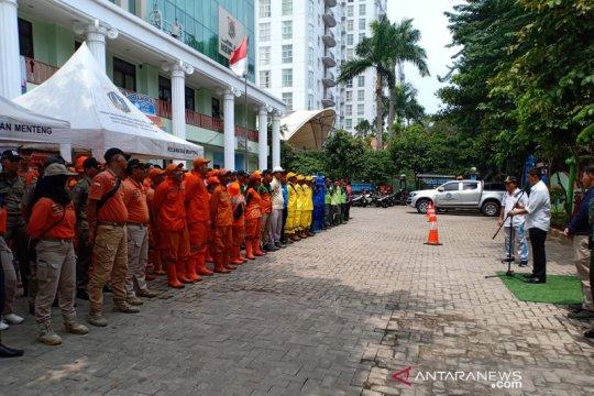 1000 PPSU dan PJLP Menteng dapatkan makan siang gratis dari Grab
