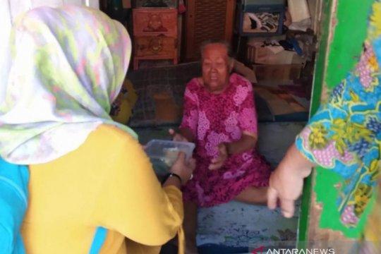 Jumat Peduli, Srikandi Jakarta Utara bagikan nasi bungkus gratis