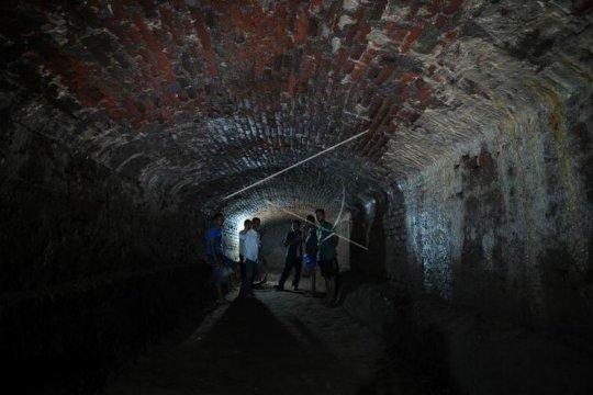 Terowongan peninggalan zaman Belanda Page 1 Small