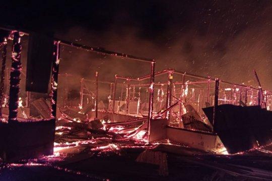 Polres Nabire selidiki dua kopel rumah yang terbakar di Kampung Kalisemen
