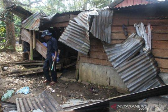 Gajah liar kembali rusak rumah warga, pemerintah diminta cari solusi
