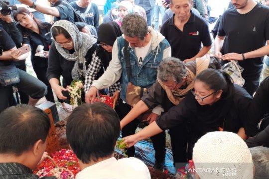 Jenazah Ade Irawan dimakamkan hari ini