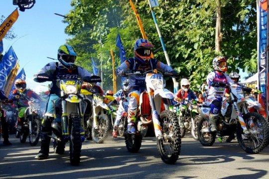 Ribuan pembalap ikuti Bhayangkara Adventure Seven di Blitar