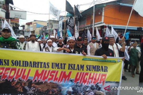 Ratusan muslim gelar aksi solidaritas Sumbar Peduli Muslim Uighur