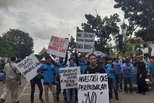 Pekerja Batam tolak Omnibus Law