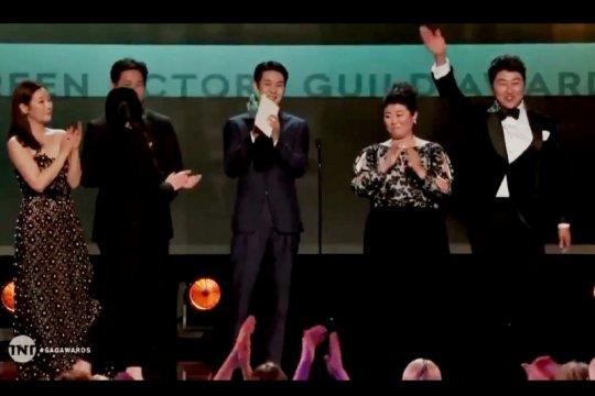 "Cetak sejarah, ""Parasite"" raih piala ""Best Cast"" di SAG Awards"