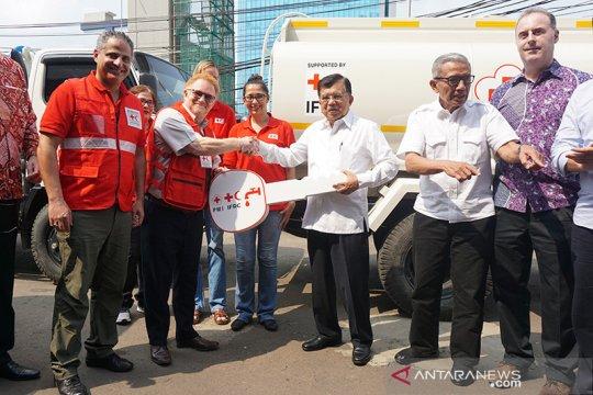 IFRC serahkan bantuan 11 truk untuk perkuat aksi kemanusiaan PMI