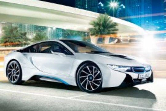 BMW ingin gandakan penjualan kendaraan listrik pada 2021