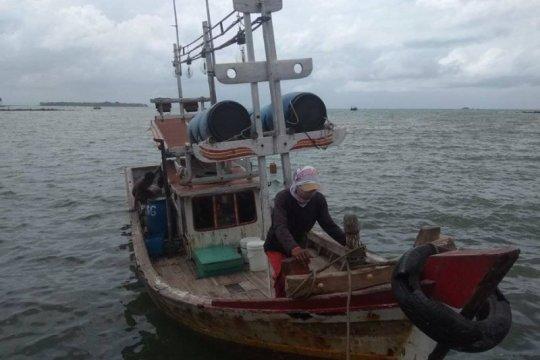 Empat wisatawan terseret ombak di perairan Sawarna Lebak
