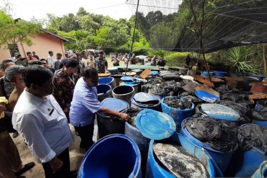 Sejumlah turis asing kapok ke Bintan akibat limbah minyak hitam