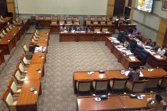 Komisi III pertanyakan keberanian CHA putuskan perkara