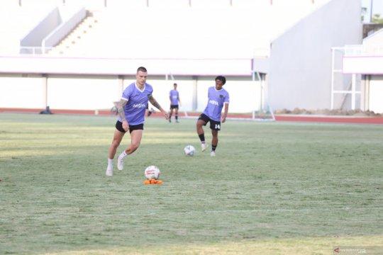 Persita pinjamkan Evgeniy Budnik ke klub Armenia