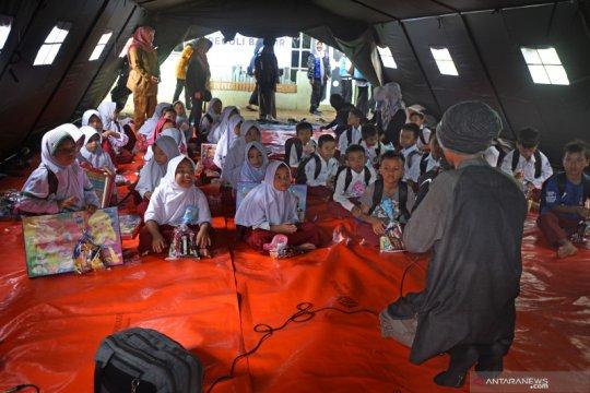 Sekolah di tenda darurat