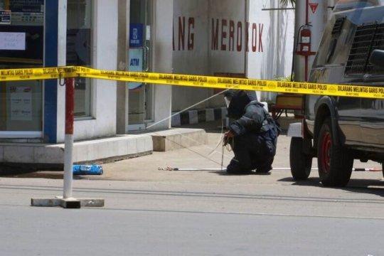 Polisi amankan kotak plastik diduga bom Page 2 Small