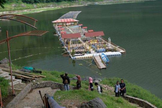 Wsata alam Telaga Menjer Page 1 Small