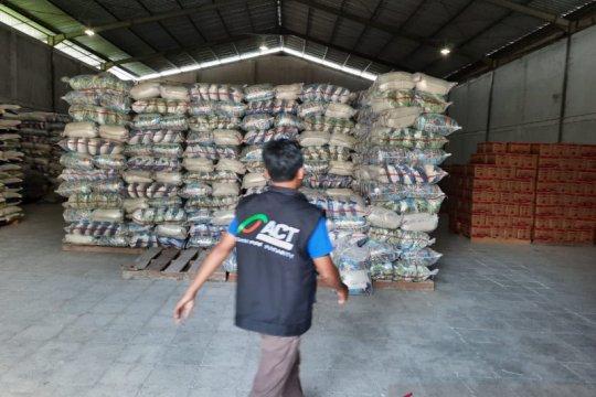 ACT salurkan satu ton beras untuk santri di pelosok Sulsel