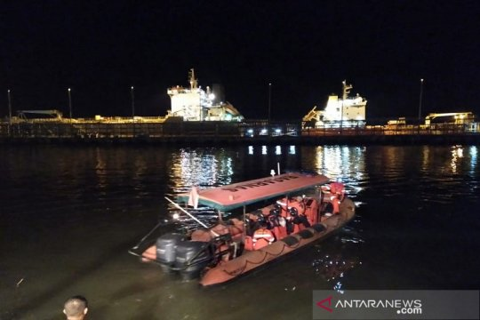 Nelayan Riau selamatkan tiga korban kecelakaan kapal pengangkut TKI
