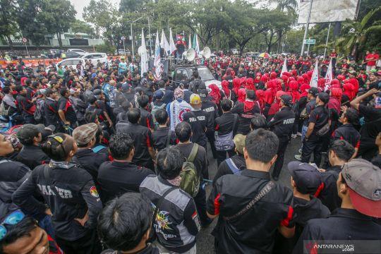 Aksi buruh di Bogor menolak kenaikan BPJS Kesehatan