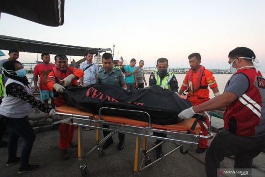 Evakuasi korban kapal karam pembawa pekerja migran