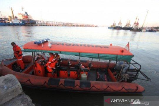 Gelombang tinggi sulitkan pencarian korban kapal karam di Selat Malaka